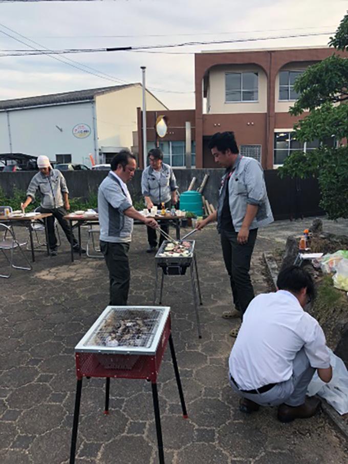 坂井工務店-BBQ家族会の様子