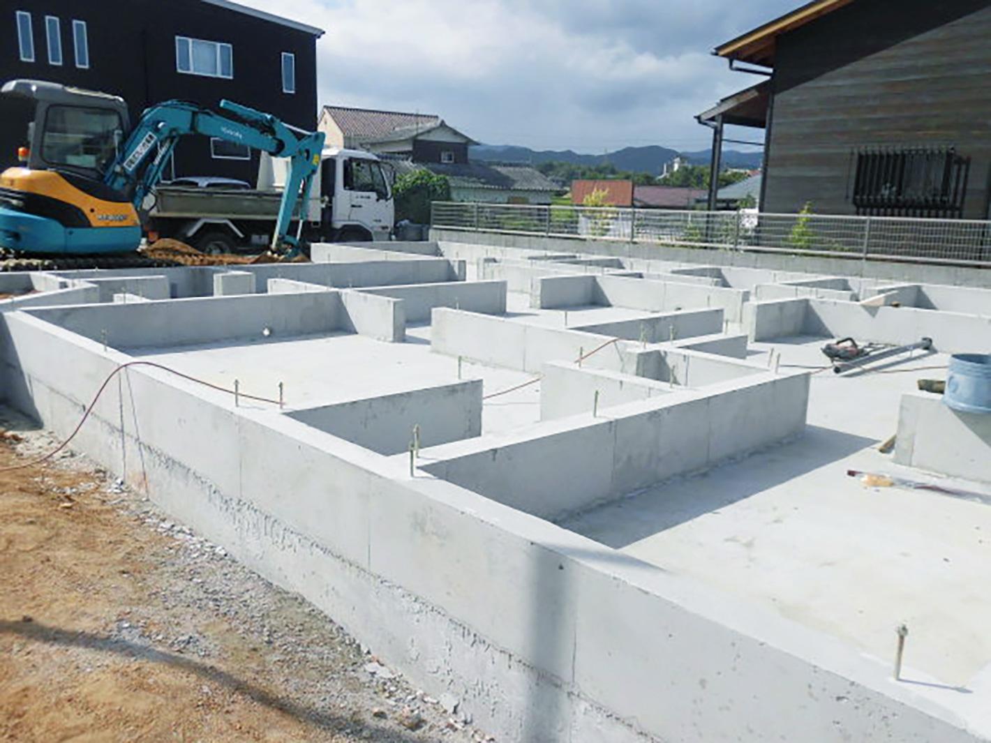 新築現場の基礎完了~!平屋の広い土間