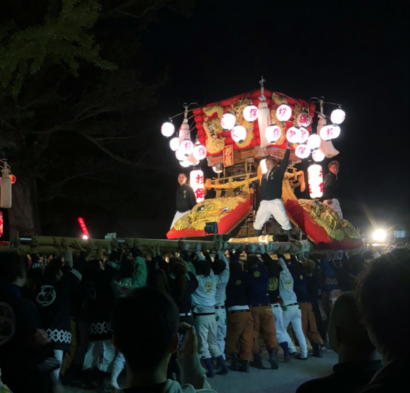 地元の祭りの様子