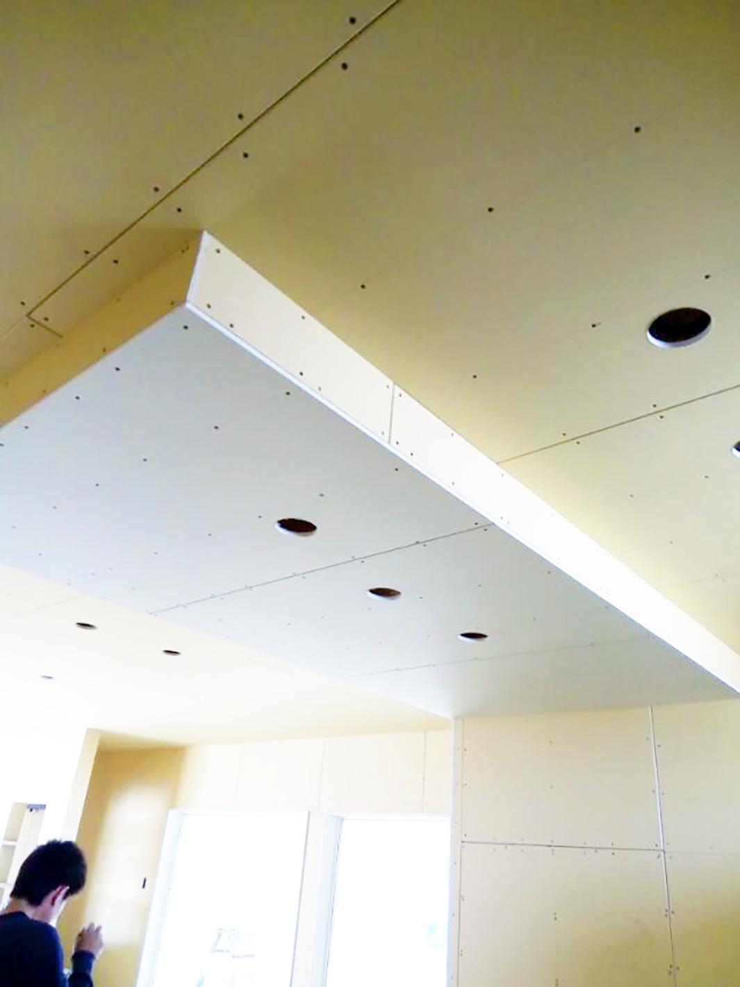リフレクティックス(遮熱材)の家 - 電気配線工事の真っ只中