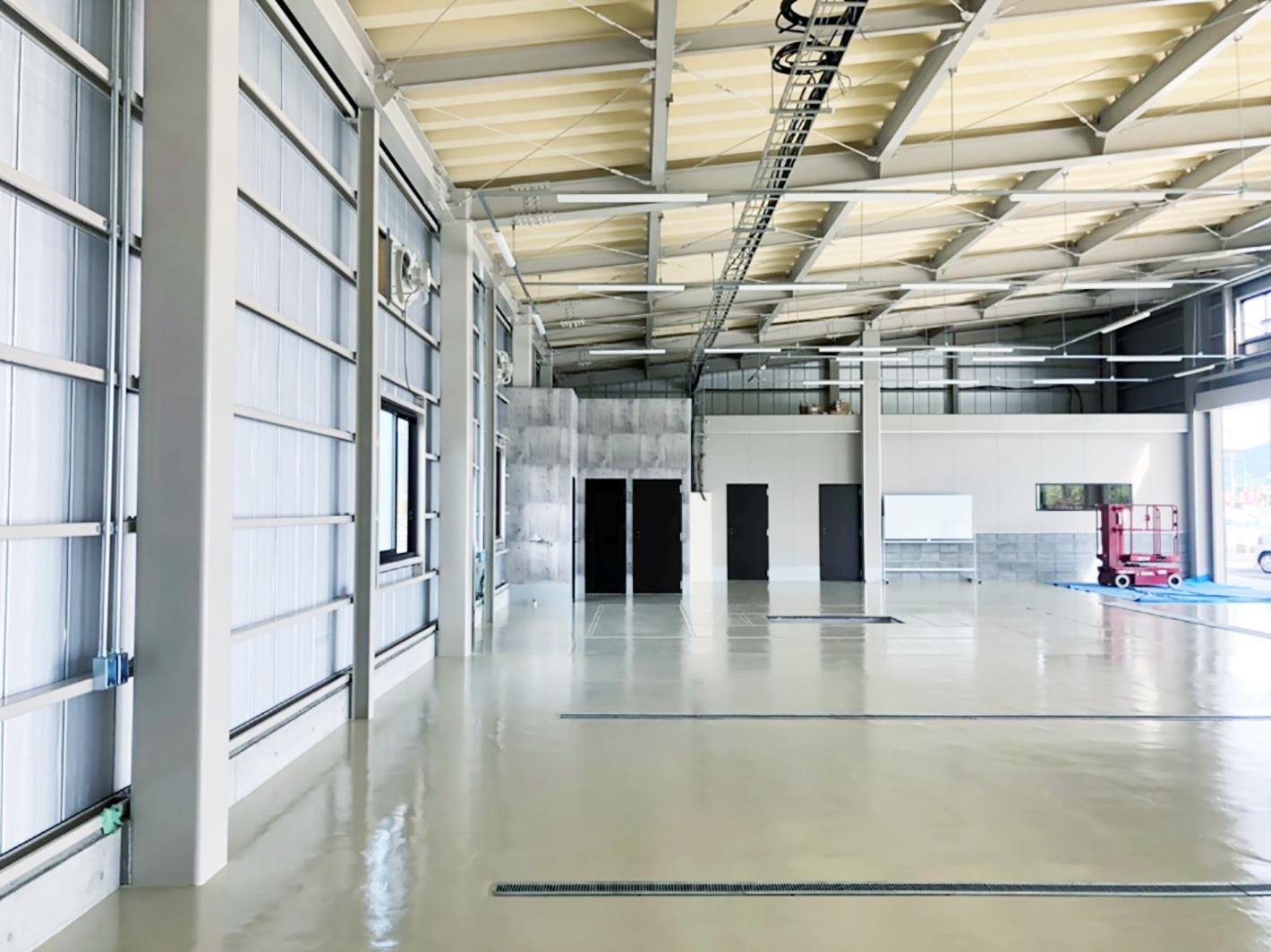 施工例-内観-自動車整備工場